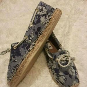 Womens floral canvas sperrys